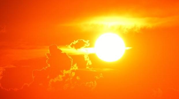 sunset-2180346_1920.jpg